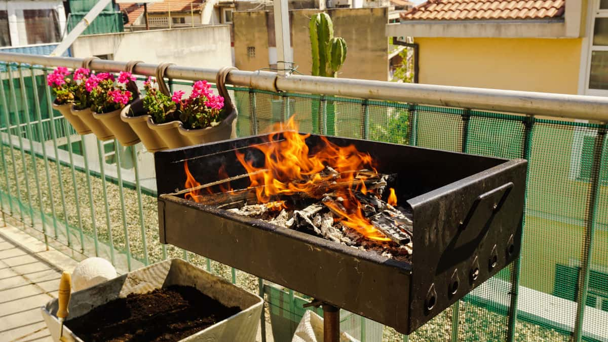 7 best small grills for apartments