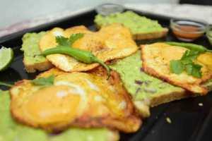 Easy recipe for avocado crispy egg toast