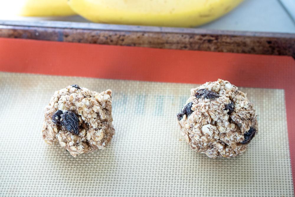 Healthy Cinnamon-Raisin Oatmeal Cookies