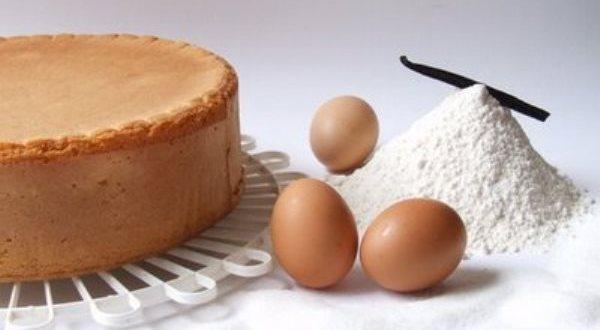Pan di spagna perfetto: la ricetta - e i segreti - per farlo a casa!