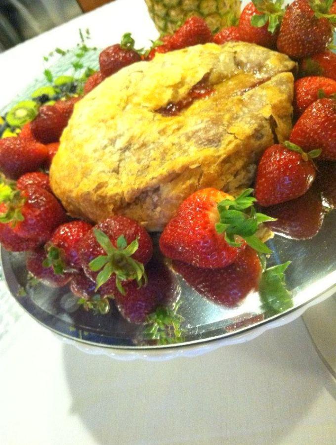 Strawberry brie Pie
