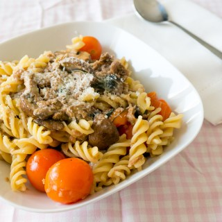 Umami Pasta (Cherry Tomatoes, Mushrooms, Tuna, Basil & Parmesan)
