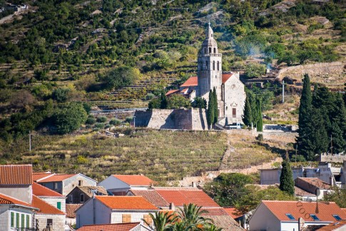 X zoomed in for a shot of the church, which was established in the 13th century. After lunch, we head off to stop by one more island before heading back to Hvar.
