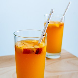 Peach Moscato [Refreshing, Fizzy and Just in Time for Summer!]