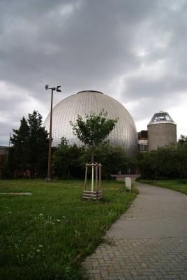 ernst thalmann prenzlauerberg berlin planetarium