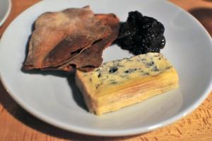 Blackfriars Bar - Blue Murder cheese, crackers & chutney