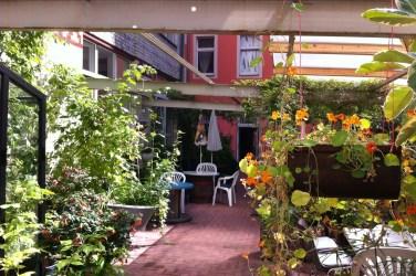 Huttenpalast berlin accommodation food and drink Glasgow