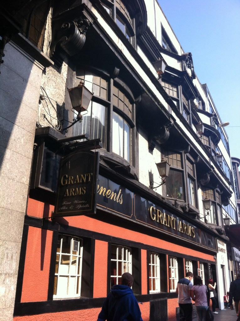 Grant arms pub bar grahamston Glasgow