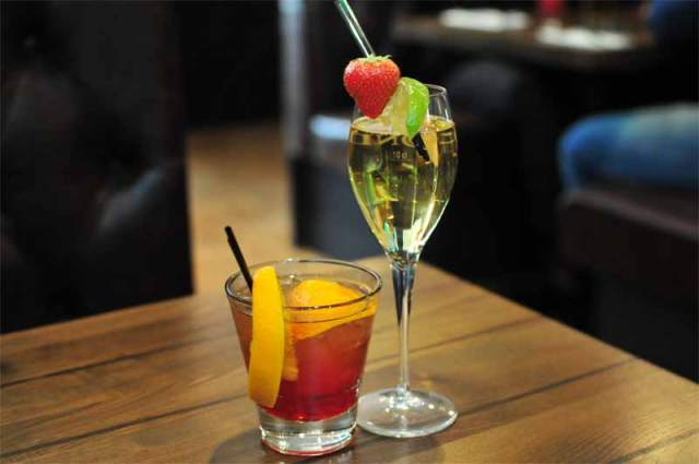 Tony Macaroni - Cocktails