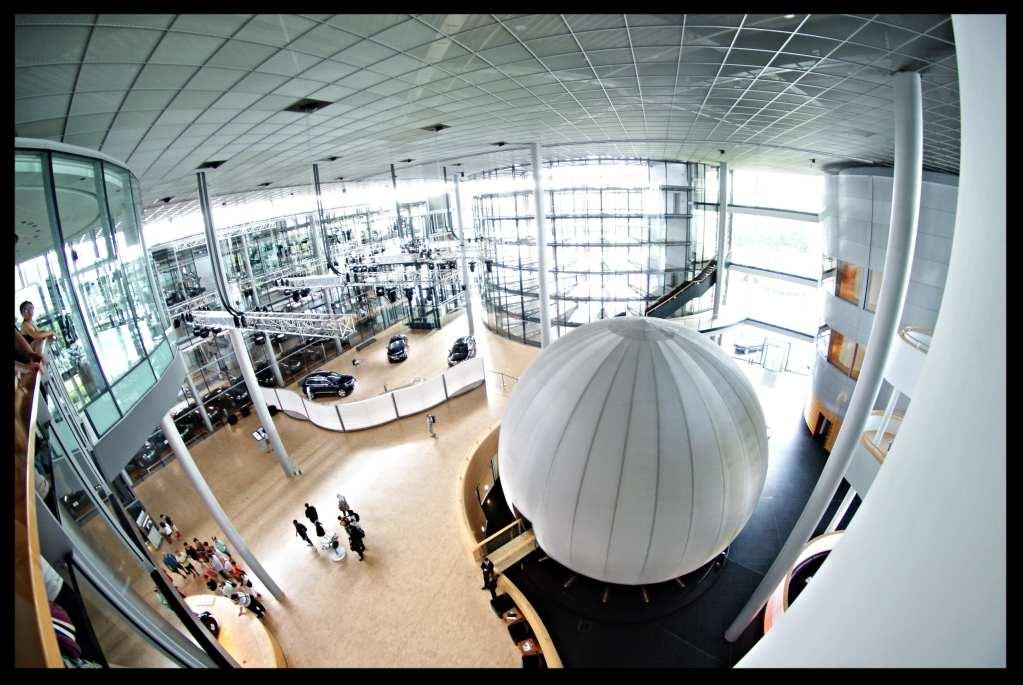 BMW transparent factory Gläserne Manufaktur dresden Germany