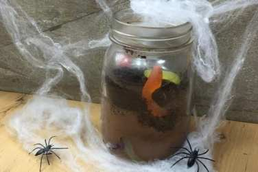 Halloween_worm_Dirt glasgow foodie explorers halloween recipe