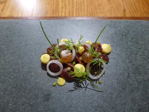 L'enclume - Valley venison, charcoal oil, mustard and fennel