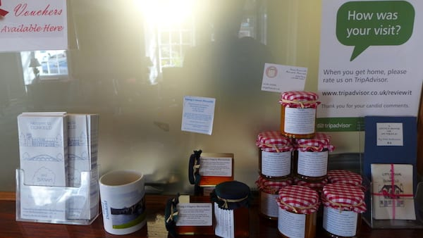 Atholl Arms Dunkeld local gifts