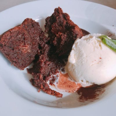 carluccios-gluten-free-chocolate-sponge-inside