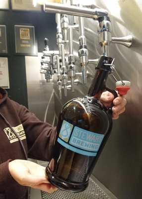 Stewart's brewing growler