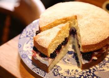 Autumnal Victoria Sponge with Blackberries & Spiced Cream photography credit Richard Hill
