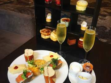 Hilton Grosvenor glasgow west end afternoon Tea the terrace