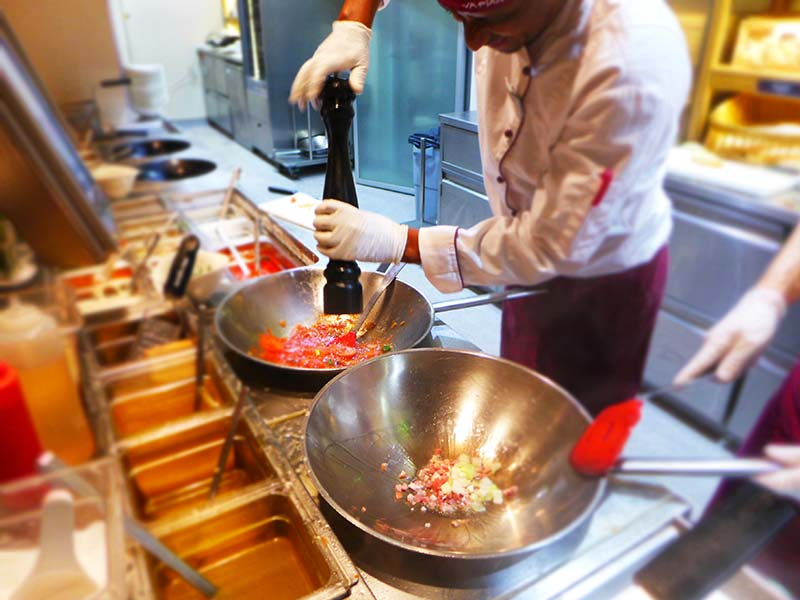 Vapiano chefs cooking 2