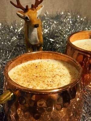 festive christmas eggnog