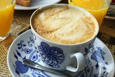 Kava Bar Bratislava coffee shop brunch menu