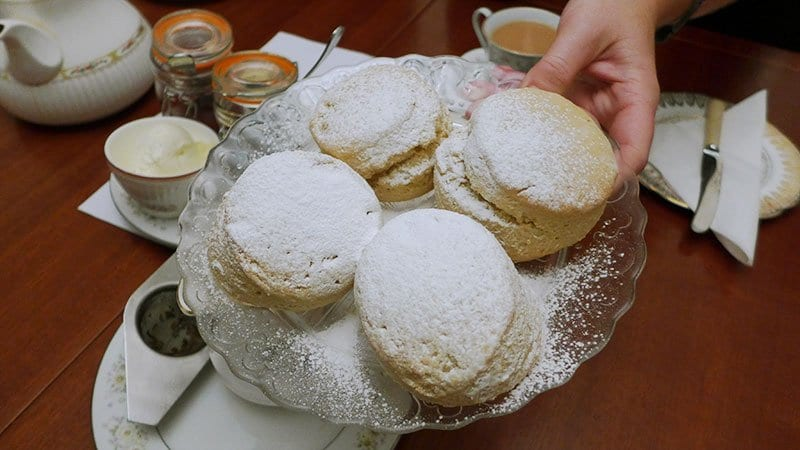 Edinburgh Food Safari - Casa Angelina scones