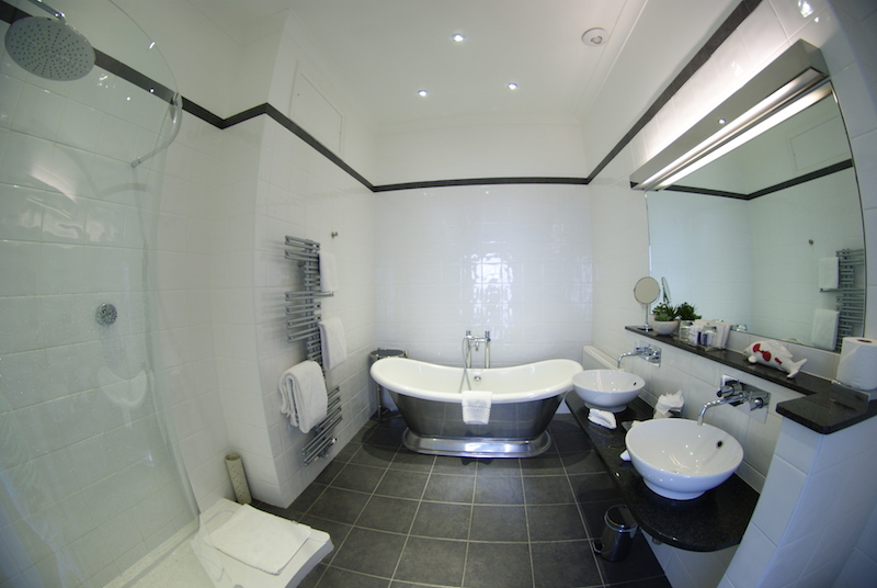 The Headland Hotel - bathroom