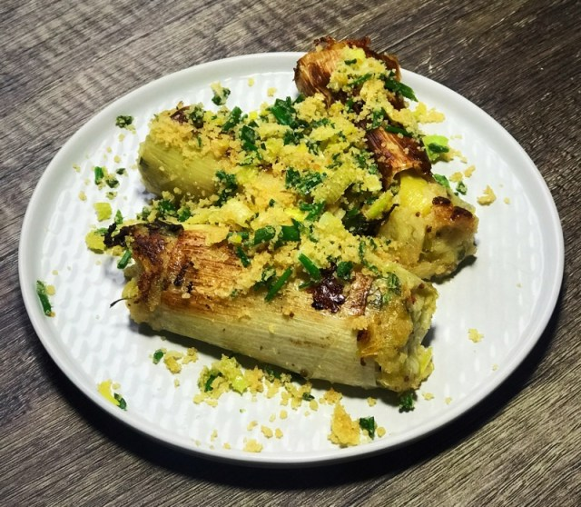 Glamorgan sausages vegan british leeks