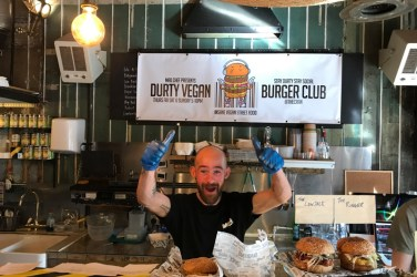 durty vegan burger club glasgow
