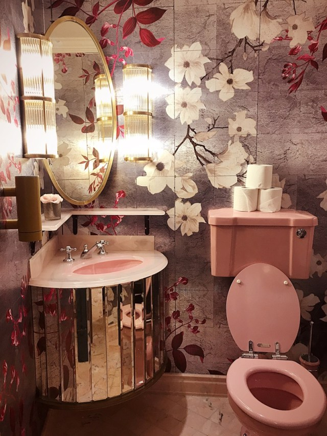 The Ivy Glasgow Toilets