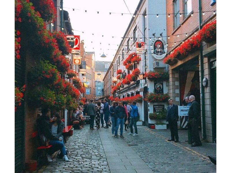 Belfast cathedral quarter pubs