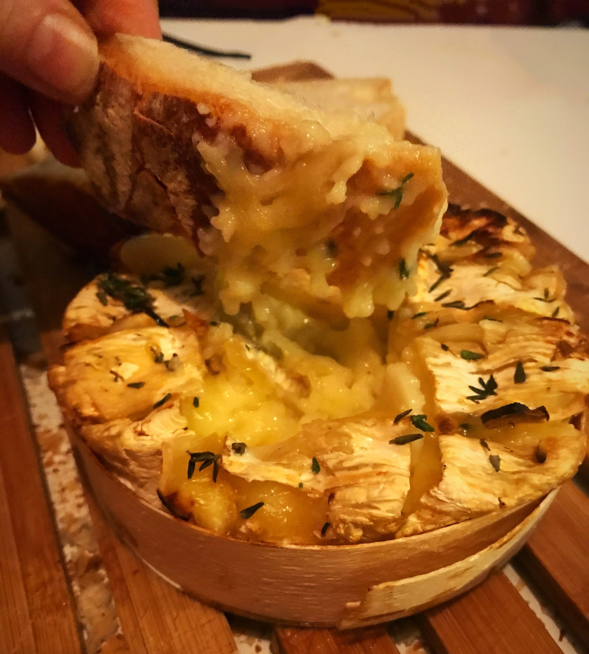 Baked Camembert with thyme and honey recipe