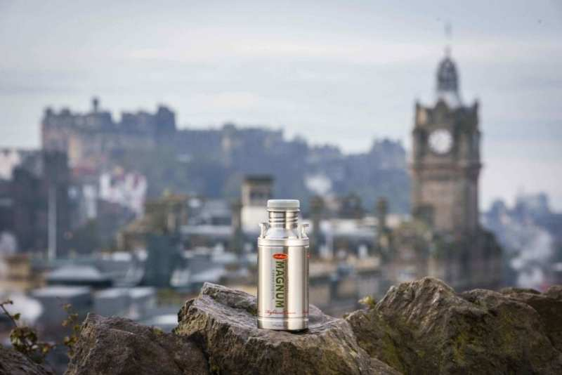 Magnum Edinburgh Castle 2