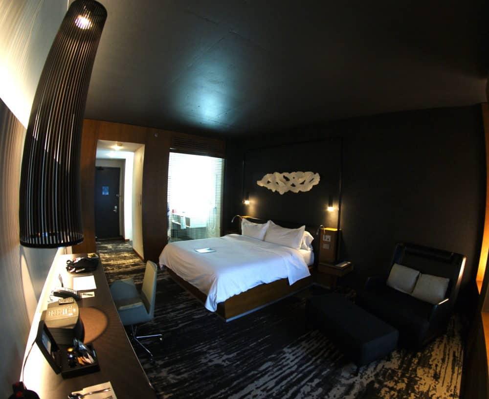 Le Germain Hotel Toronto Mercer bedroom