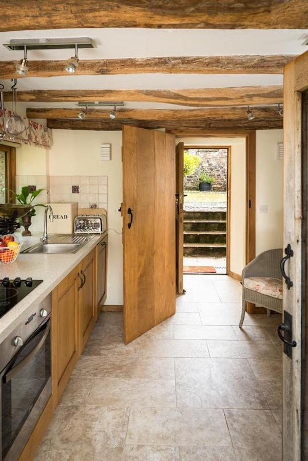 swallow barn kitchen