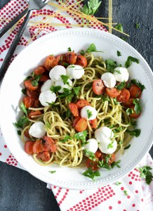 This roasted tomato spaghetti has all the fresh flavors of summer for a perfect end of season pasta dish!