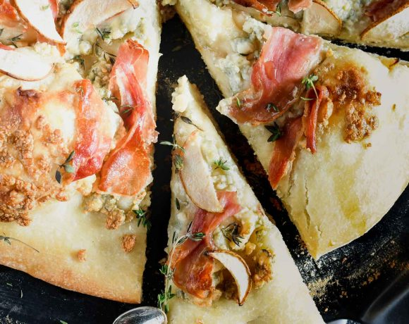 Pizza on the Grill with Pear, Prosciutto & Blue Cheese