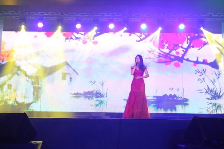 Singing by Dai Tian of China, Qingdao