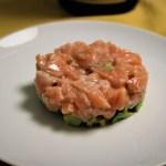 Tartare di salmone marinata al melograno