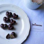 Cioccolatini fondenti ripieni di caramello salato