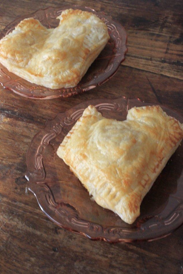 Hartige valentijnsbroodjes met tomaat en mozzarella valentijn recept