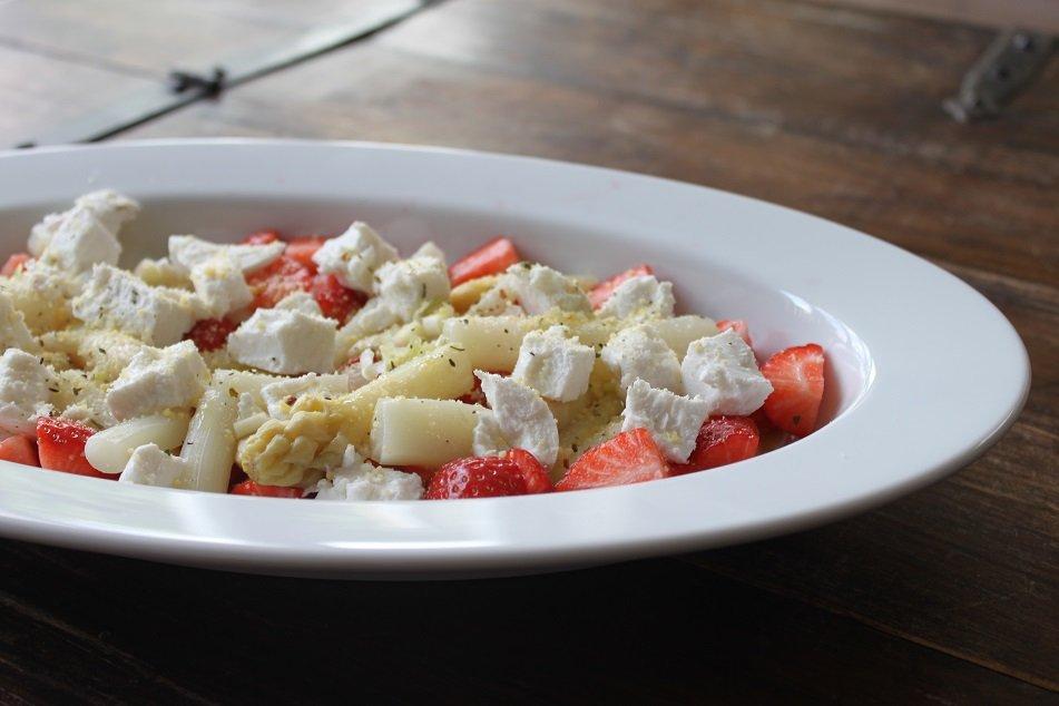Asperge aardbei salade recept foodblog foodinista