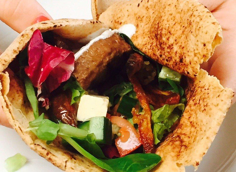 Griekse hamburger pide foodblog Foodinista recept snack guilty pleasure