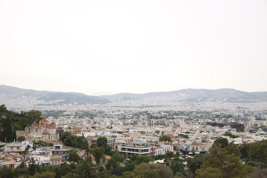 Uitzicht over Athene tijdens een stopover in Athene blogger Foodinista