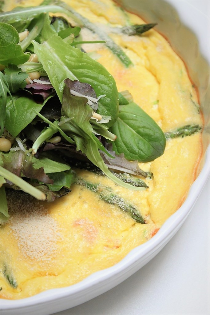 Ovenomelet met groene asperges en zalm recept van Foodblog Foodinista