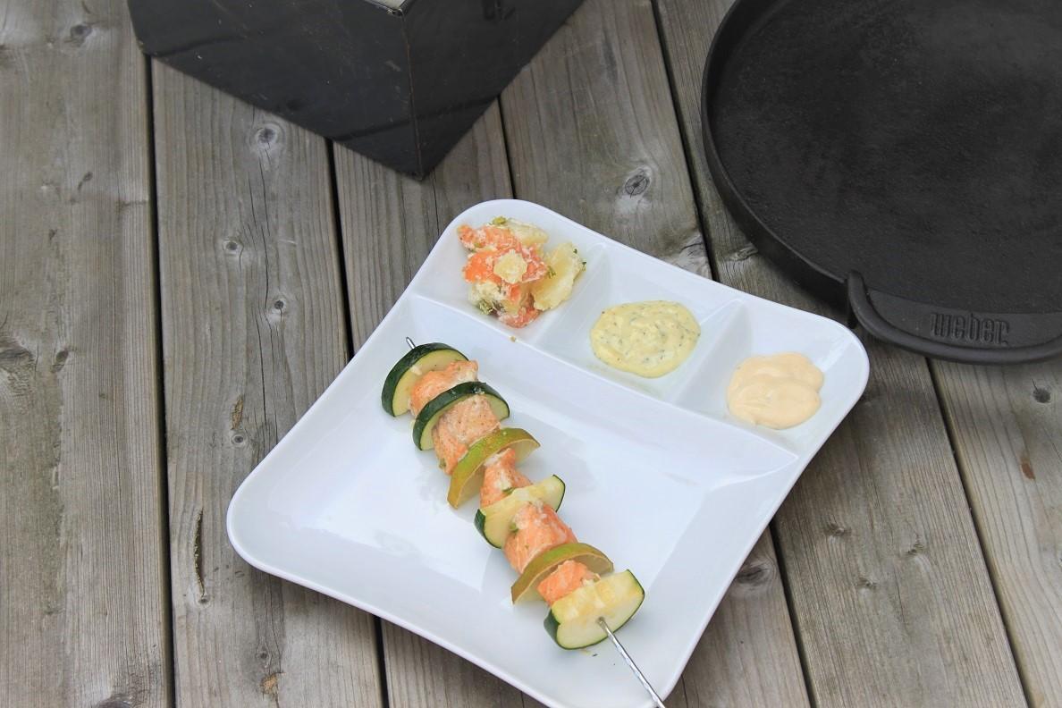 Zalmspiesen met limoen en courgette barbecuerecept Foodblog Foodinista
