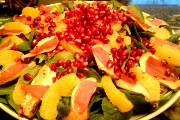 Spinach Salad with King Oyster Proscuitto Croutons, Mandarins and Pomegranate Seeds-004