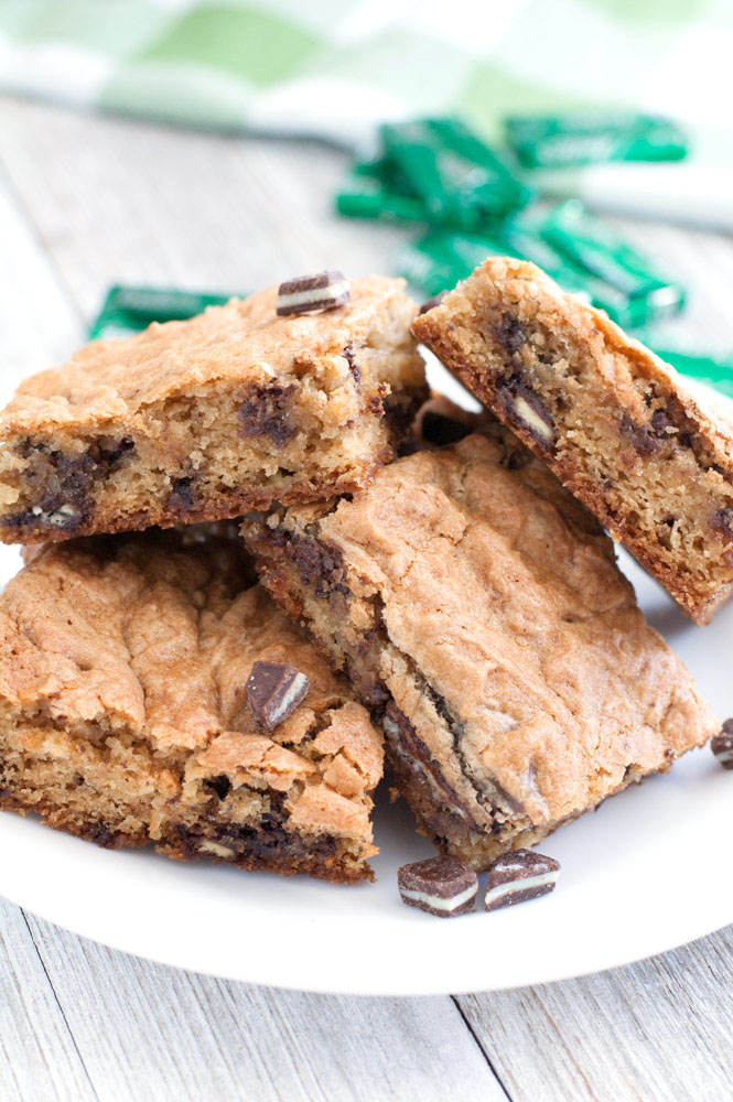 Soft Batch Andes Mint Cookie Bars a soft and chewy cookie bars filled with crushed Andes Creme de Menthe candies.