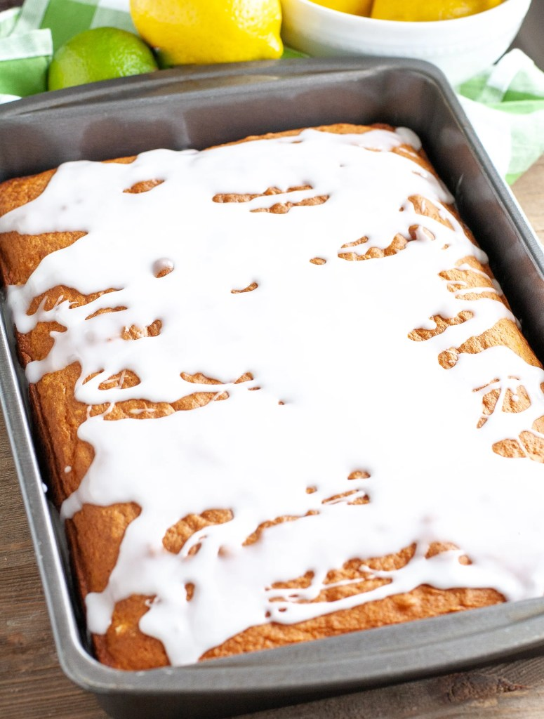 7 up cake in a 9x13 pan
