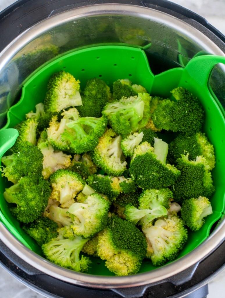 Broccoli florets in pressure cooker