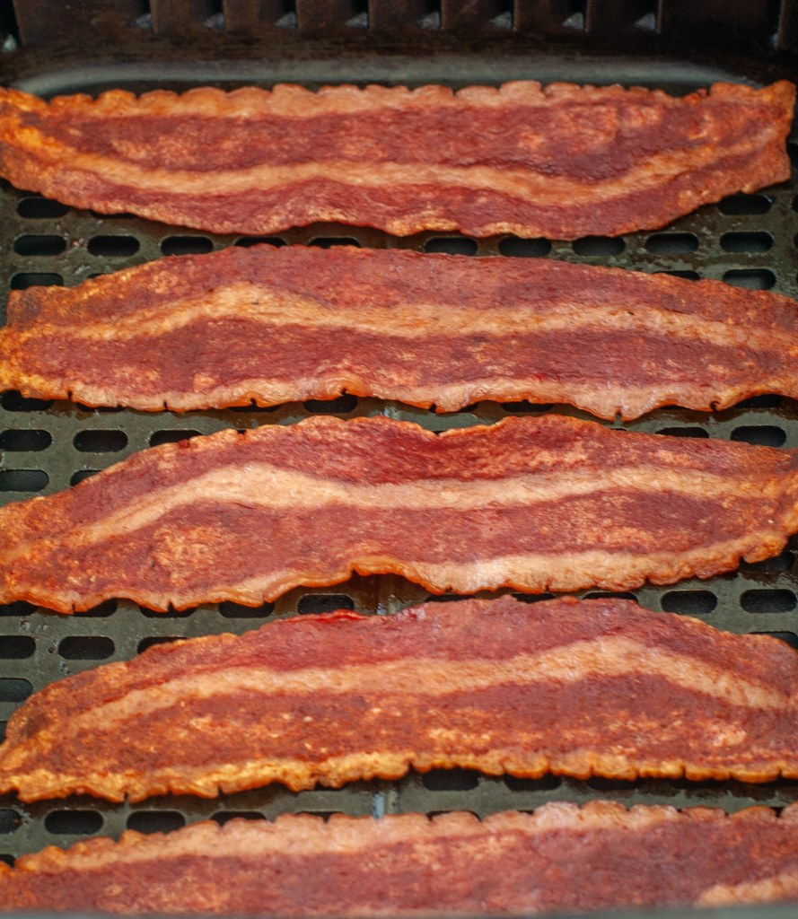 Cooked bacon in air fryer